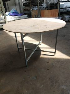 Round Table  / Stand